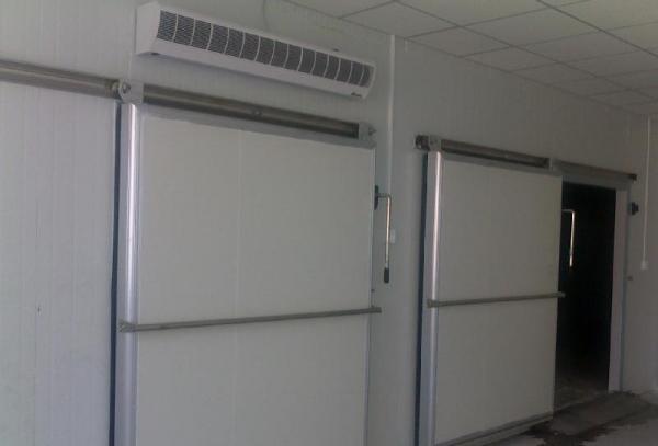 西宁制冷-冷库门普通配合风幕机减少冷库冷量的损失及冷库设计装置验收规范